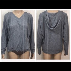 Lucy Hooded Gray Long Sleeve Pullover Sz M